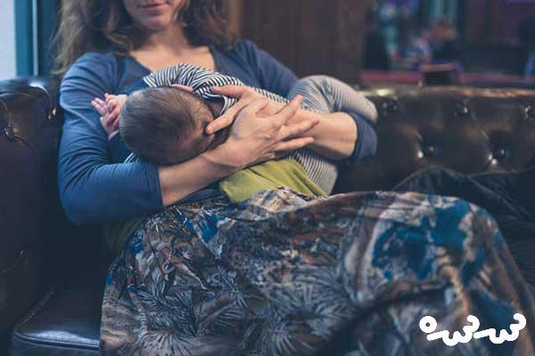 تعداد دفعات شیر خوردن نوزاد یک ماهه