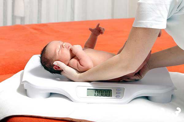 ارزش غذایی شیر مادر