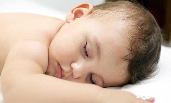 خواب کوتاه نوزاد سه ماهه