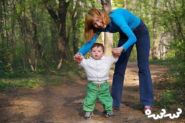 چگونه به راه رفتن کودک کمک کنیم