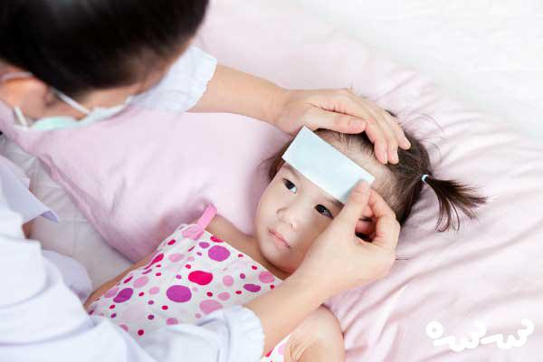 پایین اوردن تب کودکان در طب سنتی
