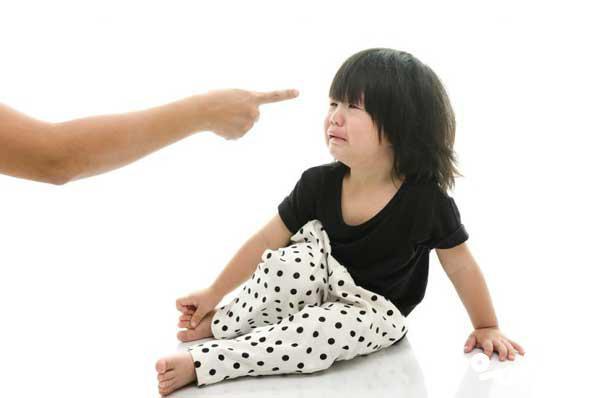 بدرفتاری کودکان در دوران کرونا و قرنطینه