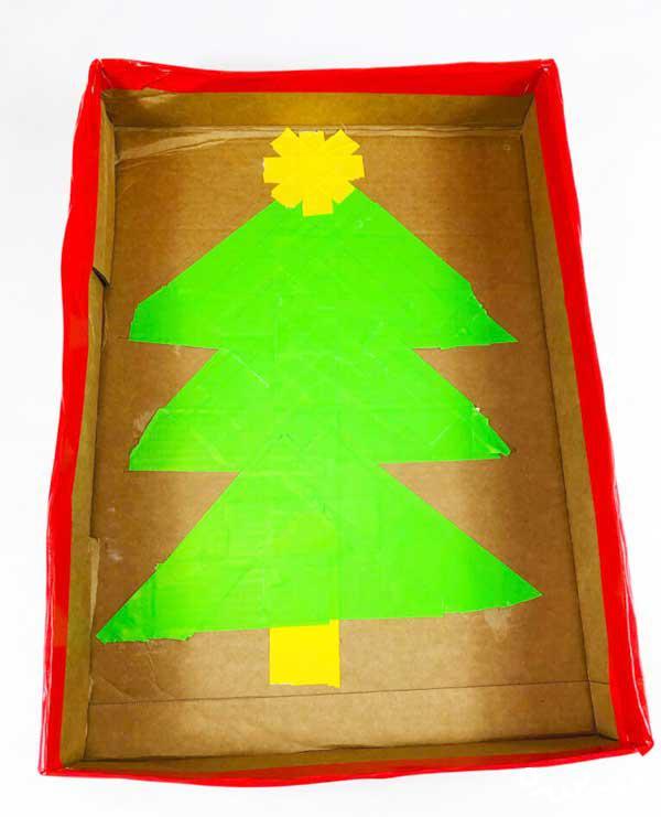 بازی و کاردستی توپ و درخت کریسمس